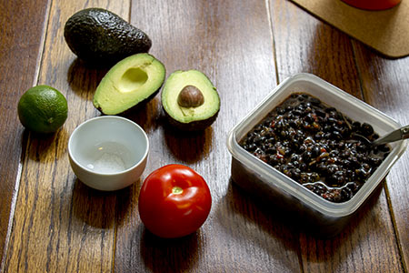 avocado sour cream ingredients and tomato and black beans