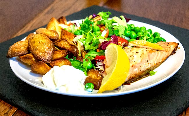 healthy-fish-and-chips-plate