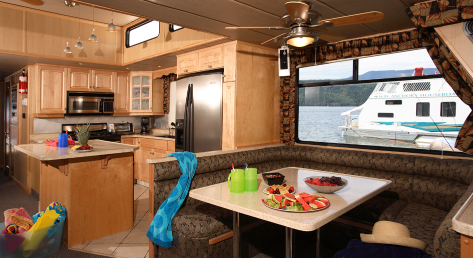 Houseboat Gallery: Custom Houseboat Interiors