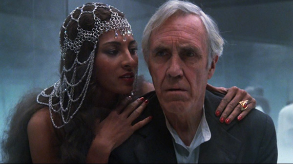 something-wicked-this-way-comes-1983-charles-halloway-dust-witch-jason-robards-pam-grier