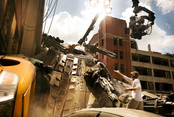 Mark Wahlberg and Michael Bay on set