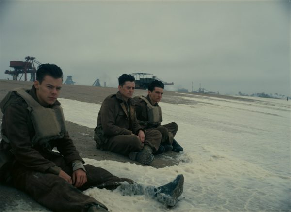 Soldiers on the beaches of Dunkirk