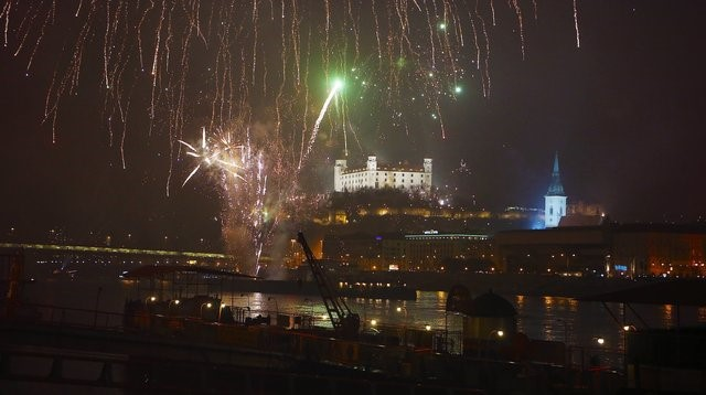Happy New Year    Twin City Liner Departure from Vienna Schwedenplatz on 31 12 2017 at 7 p m   arrival in  Bratislava at 8 15 p m  Return journey from Bratislava on 1 1 2018 at 1 30  a m