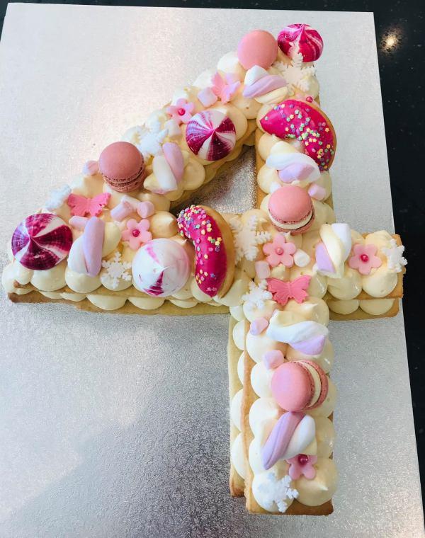 koekjes taart speciale verjaardagstaart gepersonaliseerde verjaardagstaart