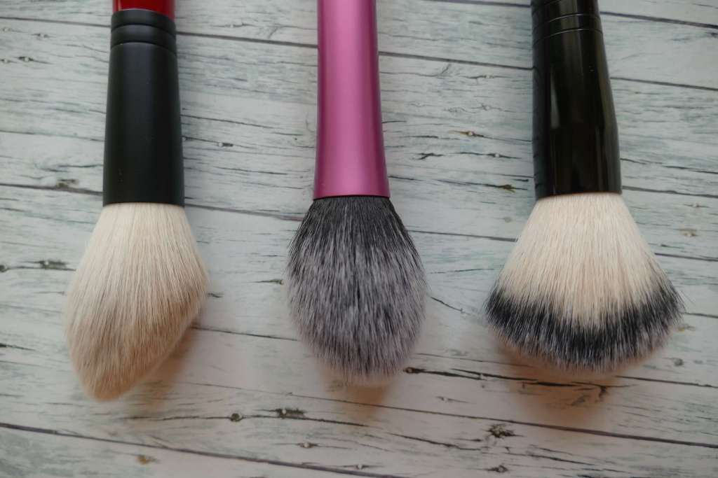 comparison real techniques blush brush