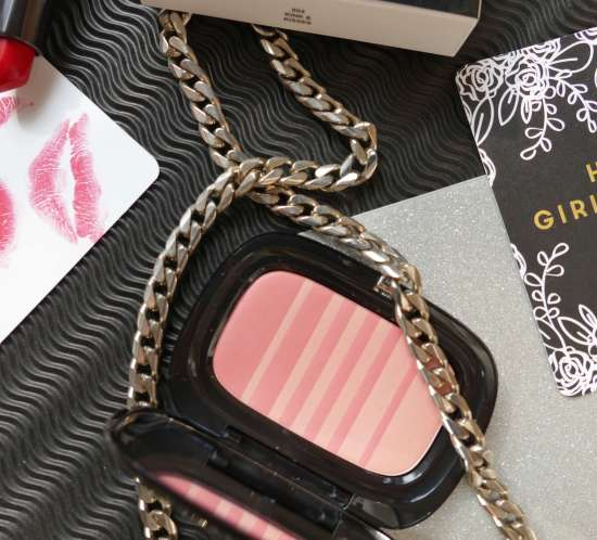 Marc Jacobs Air Blush in Kink & Kisses review