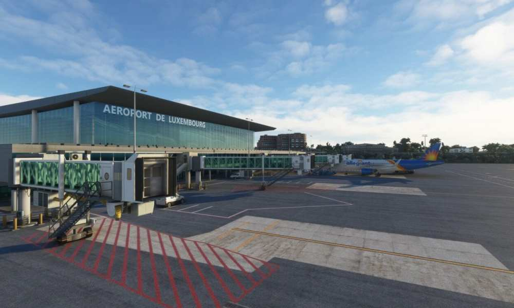 Microsoft Flight Simulator Luxembourg & White Waltham Airports Announced; F-14 Tomcat Gets New Images