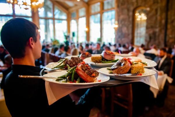 wedding-sitdown-dinner