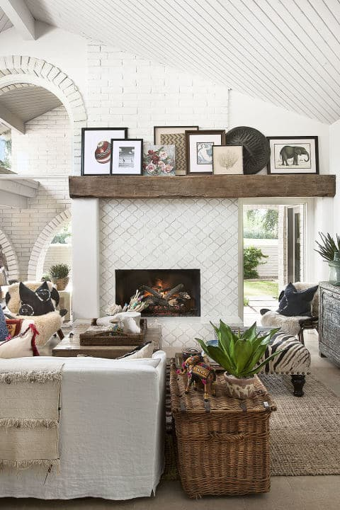 mantle-pictures-fireplace