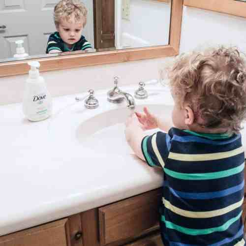 how to encourage toddlers to wash their hands