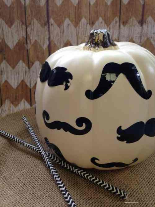 Mustache-Pumpkin-from-Tammilee-Tips
