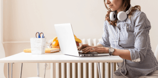 How to Start a Successful Mom Blog in 2019