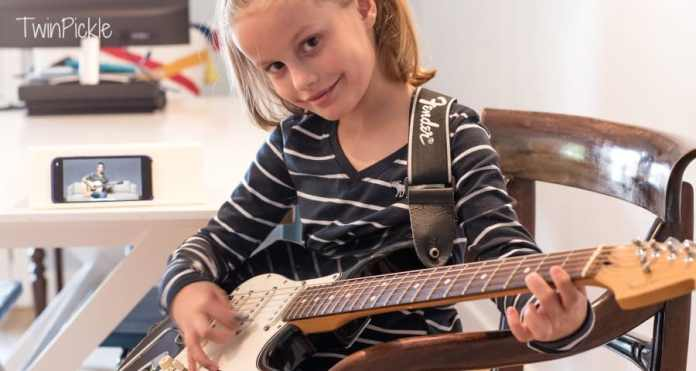 Kids learning guitar with Fender Play