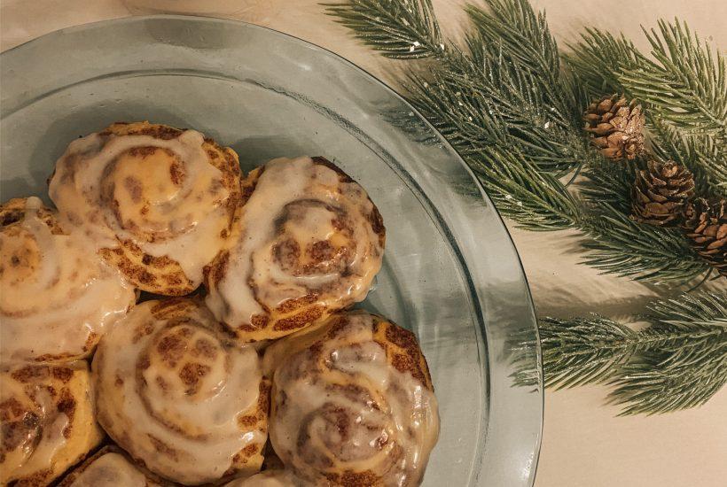 Christmas morning cinnamon rolls