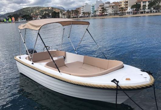alquilar barco sin licencia en Ciutadella de Menorca