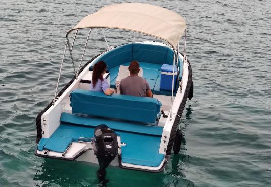 embarcación nueva sin licencia de alquiler en Ciutadella de Menorca