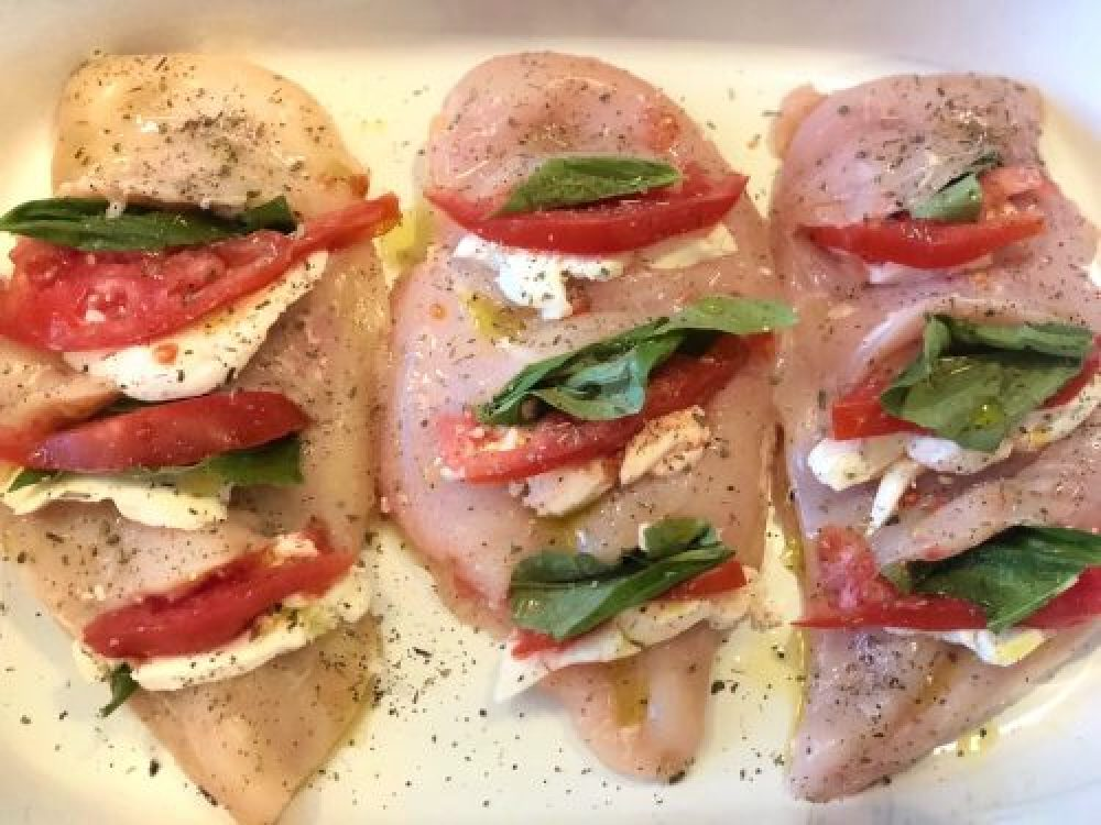 Tomato, Basil & Mozzarella Stuffed Chicken