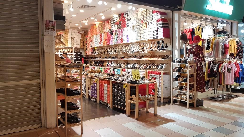 Budget Fashion Shopping In Kl Berjaya Times Square Malaysia Twinspeak