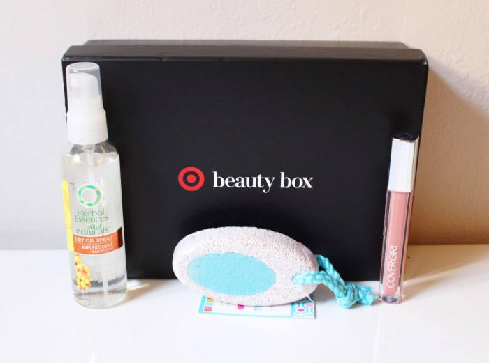 Target Beauty Box | Summer 2015 by Twinspiration: http://twinspiration.co/target-beauty-box-summer-2015/