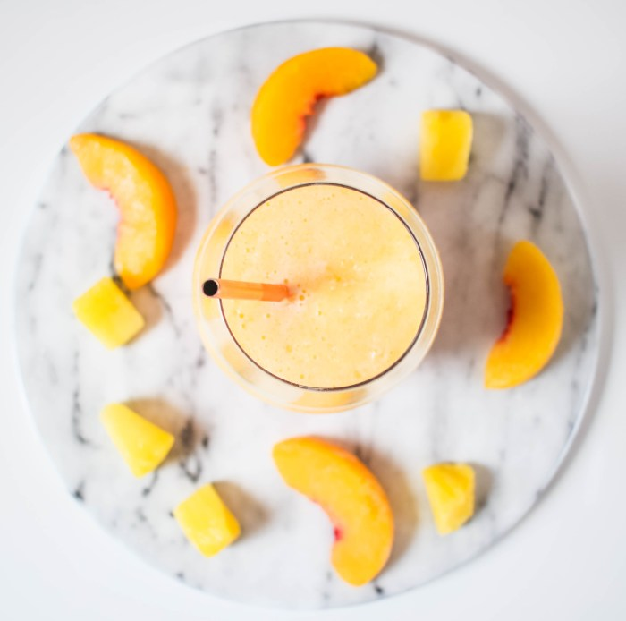 Tropical Wine Slushie | Twinspiration