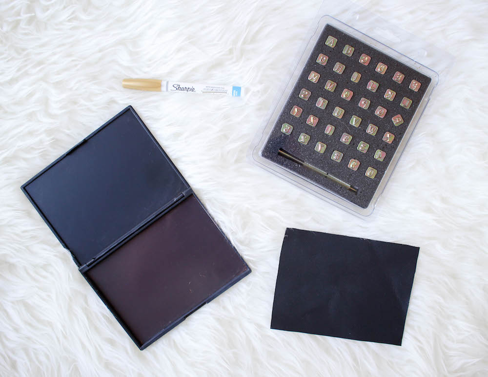 DIY Eyeshadow Palette | Twinspiration