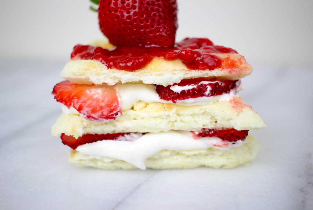 Strawberry Shortcake Waffles | Twinspiration