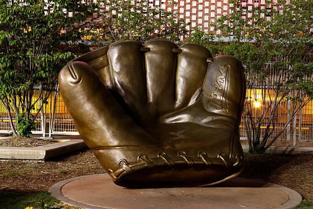 Target-field-glove-statue