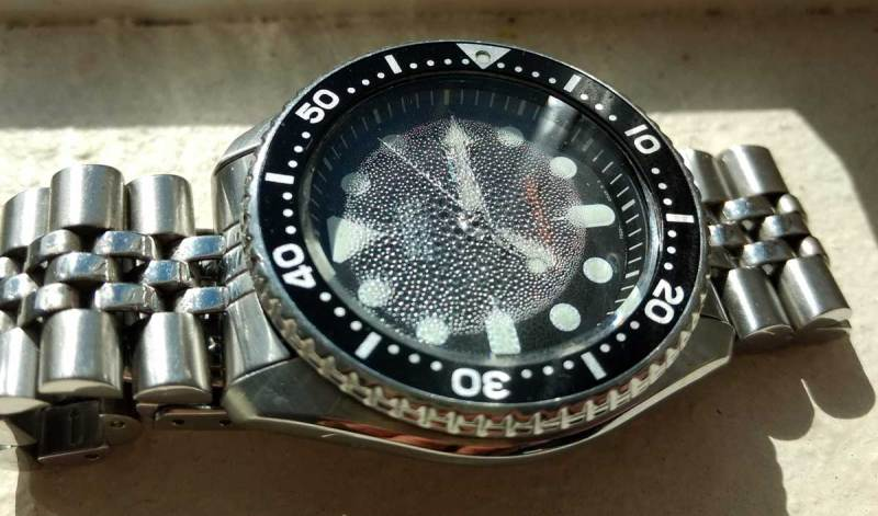 Damaged Seiko SKX007