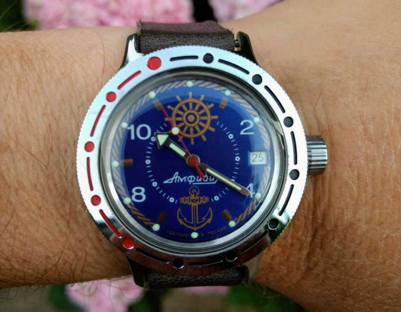 Vostok Amphibia with blue Steve Zissou dial