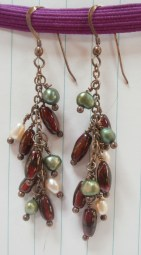 Green and White Pearls with Garnets