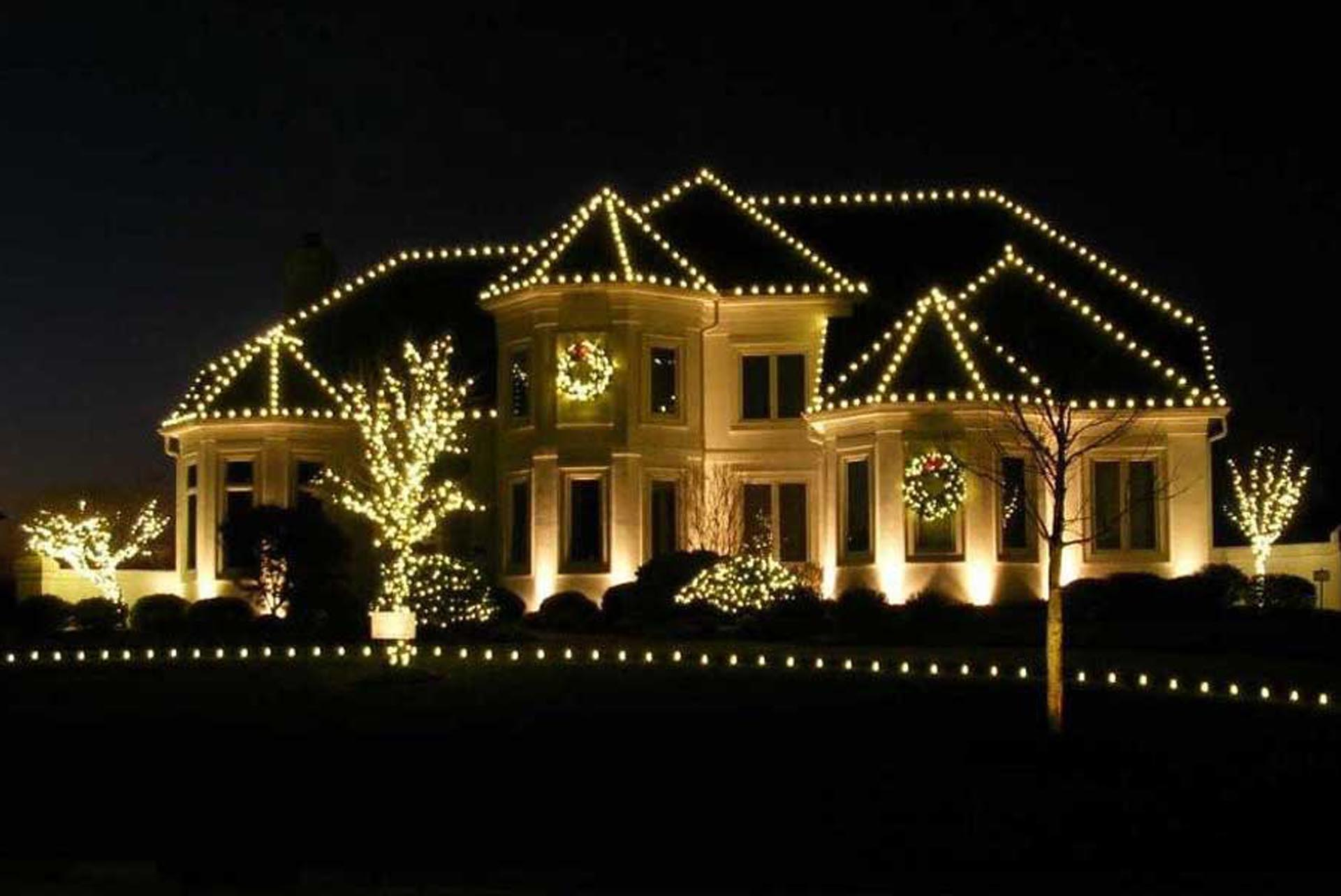 happy holidays from Twisted Oak Landscaping