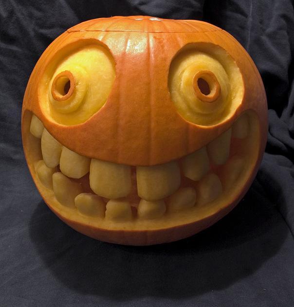 big-smiley-face-with-teeth-pumpkin