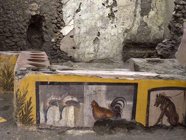 pompeii snack bar photos 9 An Amazingly Preserved Snack Bar in Pompeii was Just Revealed in its Entirety