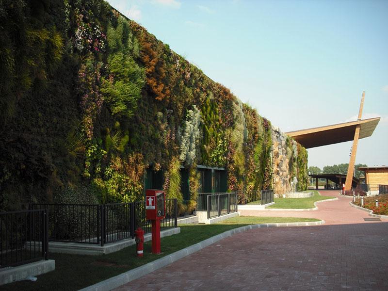 largest vertical garden The Largest Vertical Garden in the World Â«TwistedSifter