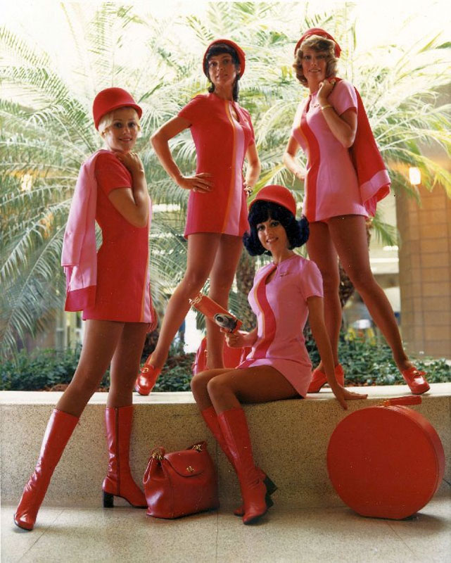 psa-flight-attendants-all-pink-uniforms