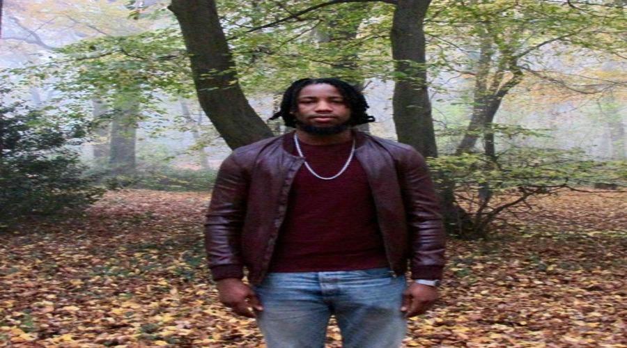 DS DrummerBio - The Kindred Ft Mo Pleasure & Roberto Manzin