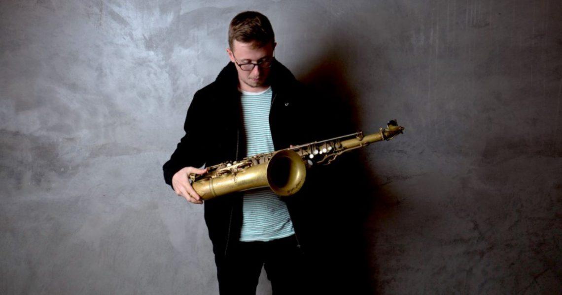 Alex Hitchcock shraes new 4-track release.