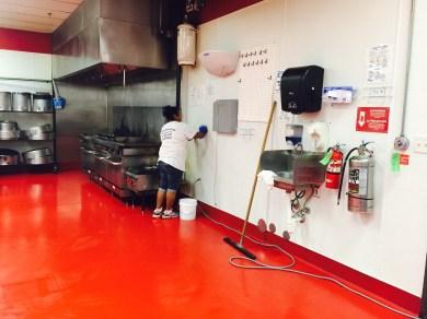 deep cleaning restaurant kitchen
