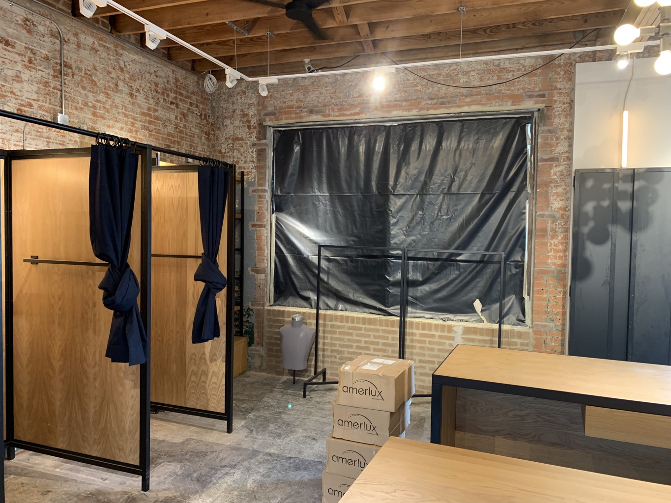 %name Bonobos Retail Store Post Construction Cleaning in Dallas, TX