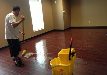 Waxing and Polishing Floors in Irving Texas 16 988dd28916da5ab445783447f5e40b5d 350x245 100 crop Waxing Floors in Irving, TX