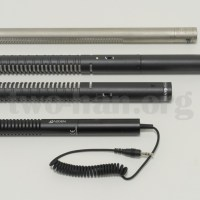 AZDEN・SMX-10、RODE三兄弟と大きさ比較。下からSMX-10、NTG-1、NTG-2、NTG-3。NTG-2は単三電池が入るので、やはり大きめ、NTG-1とNTG-3は、ミキサーから給電します!
