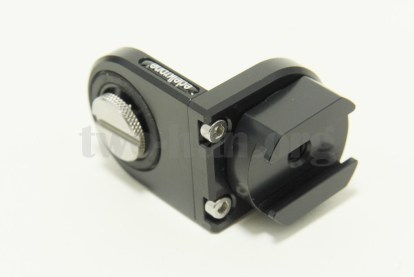 「ACCESSORY CONNECTOR」表面