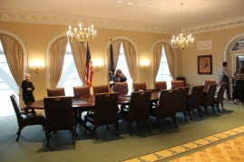 A recreation of the Cabinet meeting room.