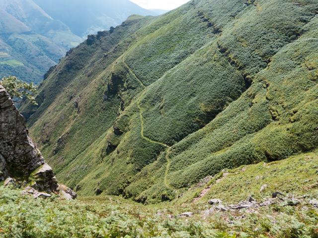 More pics of the the descent to Bidarray.