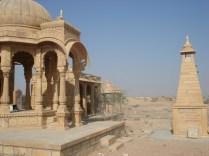 Memorial construído para os reis