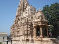 O maior dos templos jainistas e o mais completo em detalhes