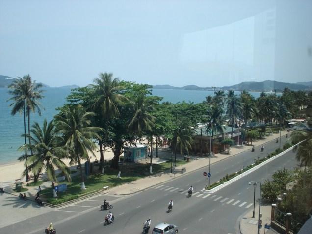 Vista da praia a partir do shopping center