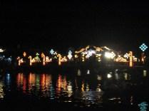 A ponte toda iluminada a noite