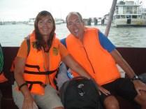 Tender (barco menor) que nos levou de Halong City até o nosso veleiro. A felicidade de ver outro sonho se realizando.
