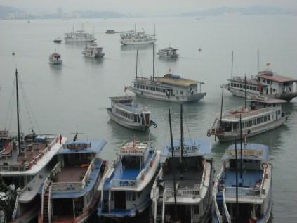 Essas é uma pequena parte dos barcos que ficam por lá